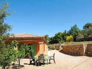 2 bedroom Villa in Besse-sur-Issole, Provence-Alpes-Cote d'Azur, France : ref 56