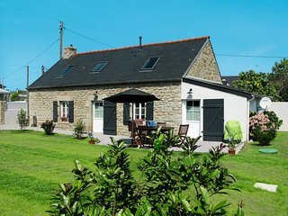 2 bedroom Villa in Trévignon, Brittany, France : ref 5649987