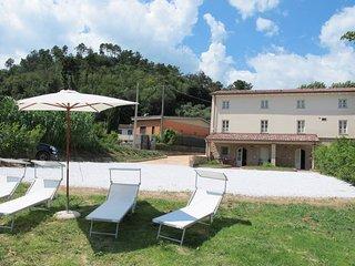 3 bedroom Villa in Camaiore, Tuscany, Italy : ref 5650802