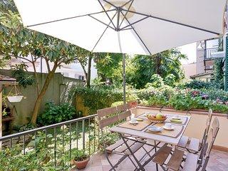 Bright flat w/Garden near San Marco