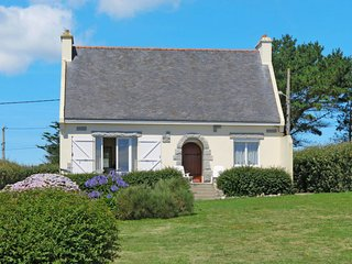 3 bedroom Villa in Raguénez, Brittany, France : ref 5650116