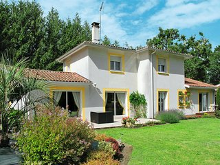 4 bedroom Villa in Angresse, Nouvelle-Aquitaine, France : ref 5650487