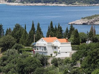 Two bedroom apartment Plat (Dubrovnik) (A-2136-b)