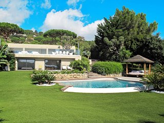 5 bedroom Villa in Saint-Michel-lObservatoire, Provence-Alpes-Côte d'Azur, Franc