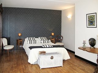 3 bedroom Apartment in Longues-sur-Mer, Normandy, France : ref 5650361