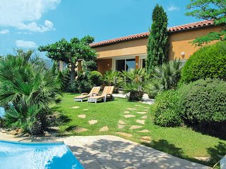 4 bedroom Villa in Gareoult, Provence-Alpes-Cote d'Azur, France : ref 5649831