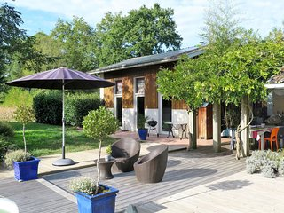 4 bedroom Villa in Saint-Vincent-de-Paul, Nouvelle-Aquitaine, France : ref 56500