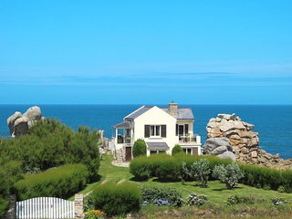 3 bedroom Villa in Saint-Eden, Brittany, France : ref 5650226