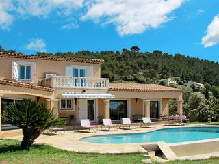 5 bedroom Villa in Les Salettes, Provence-Alpes-Côte d'Azur, France : ref 565019
