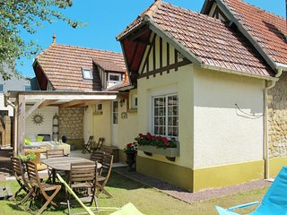 3 bedroom Villa in Le Hôme-sur-Mer, Normandy, France : ref 5650383