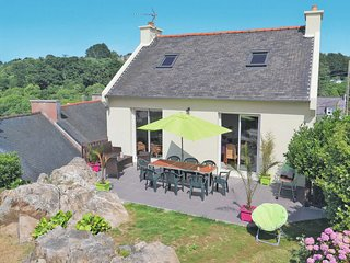 3 bedroom Villa in Saint-Michel-en-Grève, Brittany, France : ref 5650074