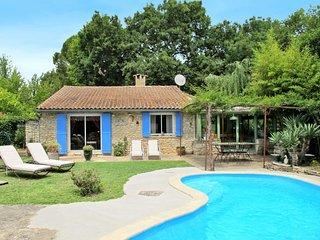 Ferienhaus mit Pool (LSS100)