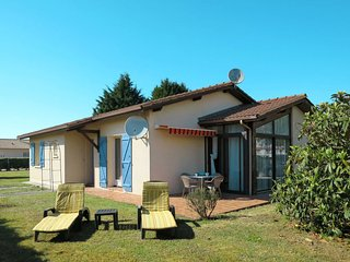 3 bedroom Villa in Hourtin, Nouvelle-Aquitaine, France - 5650318