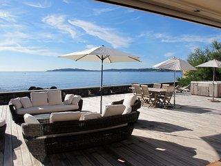 5 bedroom Villa in Sainte-Maxime, Provence-Alpes-Côte d'Azur, France : ref 56502