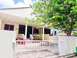 Mae Rampung Beach House 202