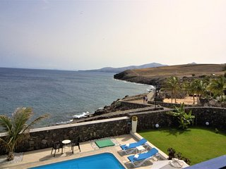 Puerto Calero Villa Sleeps 8 with Pool Air Con and WiFi - 5825224