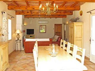 4 bedroom Apartment in Lacoste, Provence-Alpes-Cote d'Azur, France : ref 5649913