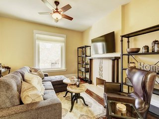 Large 4 BR Vacation Home * DT Denver * Sleeps 14