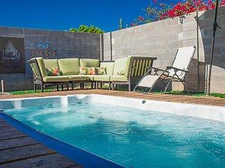 Scottsdale Oasis! Hot Tub Hot Spot,  Sleeps 16!