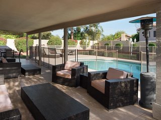 Scottsdale Serenity ☆ Pool ☆ 5Bd Sleeps 14