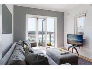 Stylish studio with spectacular beach views