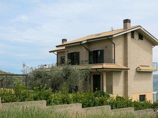 3 bedroom Villa in Santa Maria a Valle, Abruzzo, Italy : ref 5650689