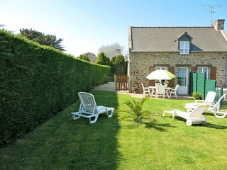 2 bedroom Villa in Saint-Coulomb, Brittany, France : ref 5650105