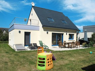 3 bedroom Villa in Trévignon, Brittany, France : ref 5649988