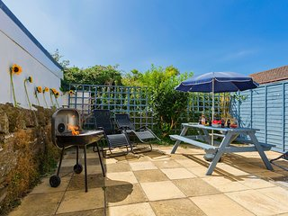 BRAUNTON BLUE DOLPHIN COTTAGE | 3 Bedrooms