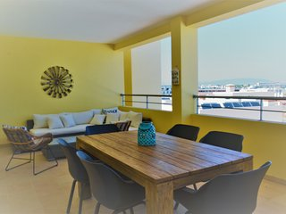 Pateo do Convento sea view penthouse apartment (MR-4B)
