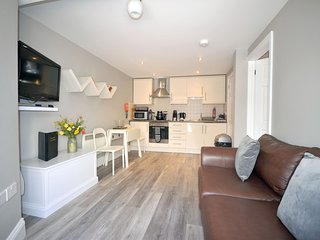 Apartment 34 Trinity Mews - Cosy ground floor apartment within coaching mews in