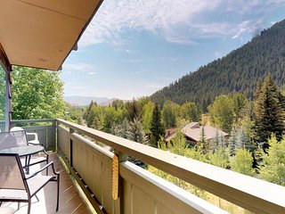 NEW LISTING! Cozy condo with beautiful views and access to a shared pool