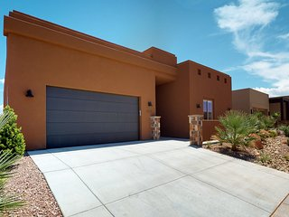 Alexa is a Vacation Rental with private pool in the Sand Hollow Resort.