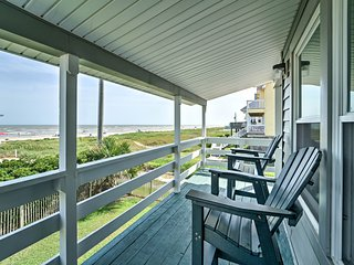 NEW! Galveston House w/Shared Pool-Steps to Beach!
