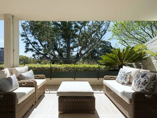 Woollahra Luxury. Quiet and central. 4.9 stars