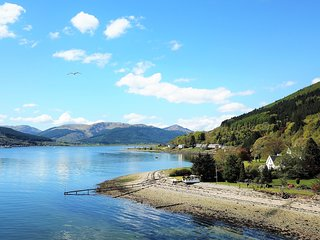 Dunbheag, shore front location with private beach and enclosed sun terrace