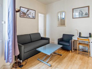 Cosy flat for 3 in the 16th