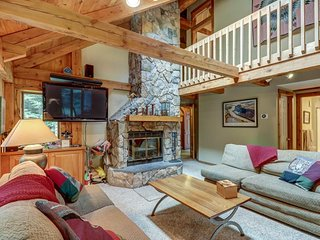 Walk to slopes from mountain lodge-style home w/room for the whole family!