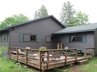 New Family Friendly Vacation Home On Presque Isle Chain-Of-Lakes In Northern WI