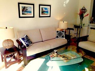 Royal Aloha 2 Bedroom Vacation Rental, FREE PARKING!
