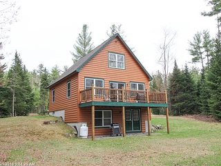Country side achers 4 bed room Log Home Close to Sunday river and Mt abrham