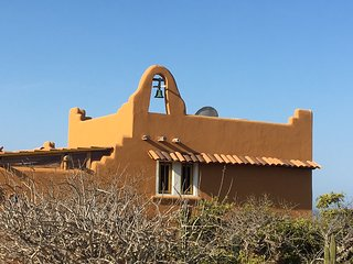 Casa Campana, large property near secluded beach