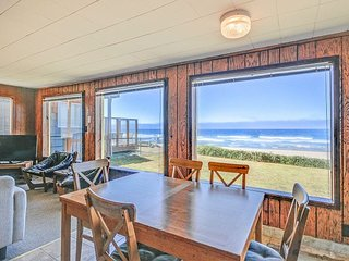 Oceanfront cottage brings the Pacific to your doorstep!