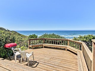 Beautiful, Family-Friendly South Beach Newport Oceanfront Home w/ Bunk Room!