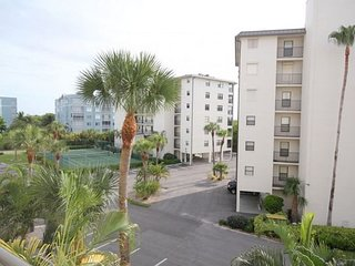 Estero Cove Building 5 Unit 522
