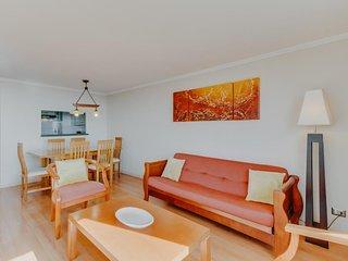 Oceanview apartment w/shared pool, sauna, tennis, beach access