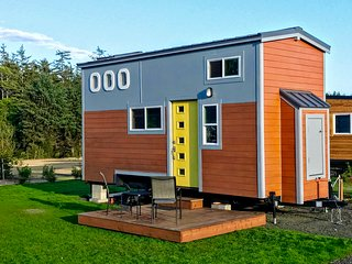 Osprey - stay in a tiny home on the Oregon coast!