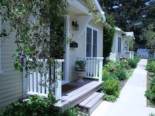 Charming Santa Monica Cottage in Montana Ave Neighborhood!