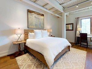 The Lincoln 201-2 Bed, 2 Bath Loft