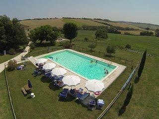 Ruim appartement met zwembad
